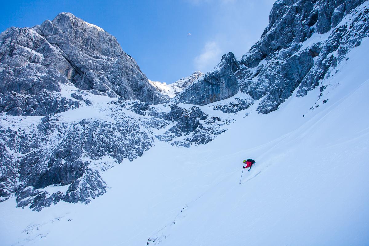 Anspruchsvolles, felsdurchsetztes Steilgelände im Kaisergebirge.