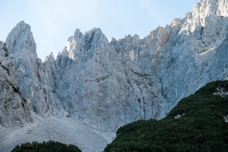 Der linke Teil der Karlspitze Südwand mit dem Bereich Kübelkarsinfonie bis Oktowasunn