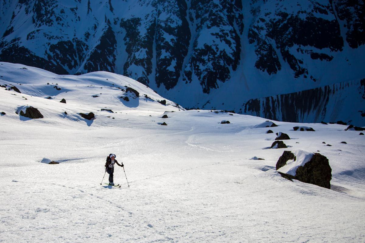 In dem welligen Gelände im Mittelteil des Aufstiegs zur Eiskastenspitze