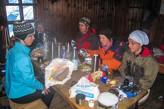 Im Winterraum der Mezzalama-Hütte.