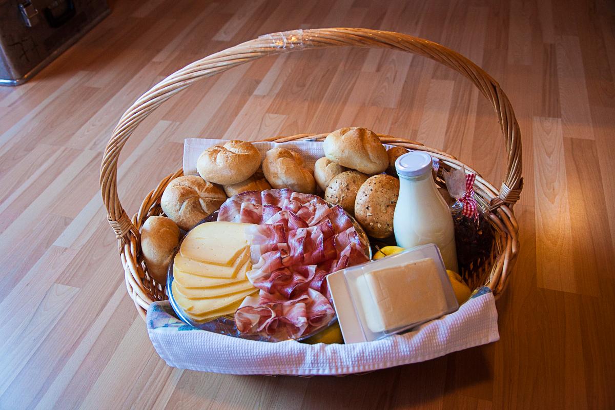 Das Frühstück ist fertig.... Verpflegungskorb am Lercherhof in Schalders