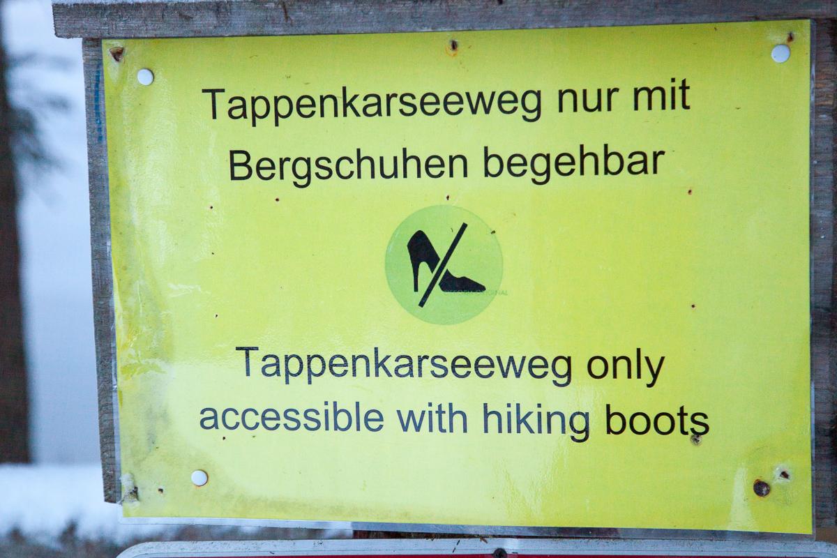 Von Skischuhen steht hier nix, hmm...