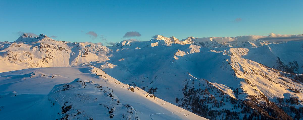 Sonnenuntergangsstimmung in den Tuxer Alpen